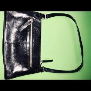 Black Kenneth Cole Reaction shoulder purse